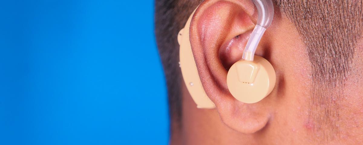 Desumidificador de aparelho auditivo evita contágio de COVID-19